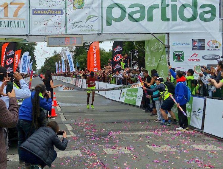 Imagen_Noticia_El_chileno_Enzo_Yanez_es_Campeon_Sudamericano_de_Maraton_01