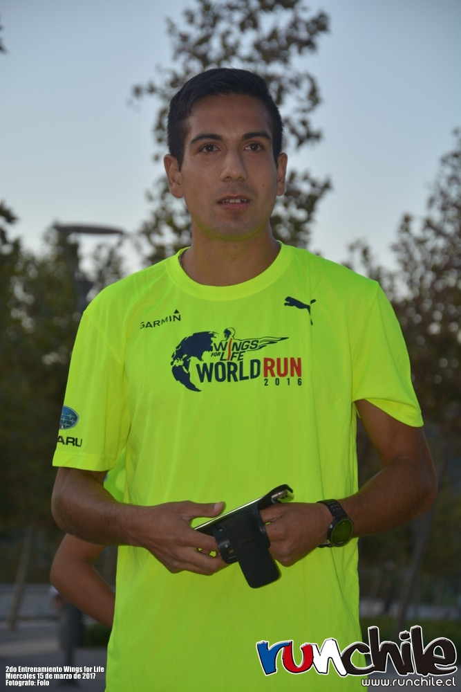 Imagen_Noticia_Vale_Carvallo_y_Cesar_Diaz_ayudaron_a_prepararse_para_Wings_for_Life_World_Run_01